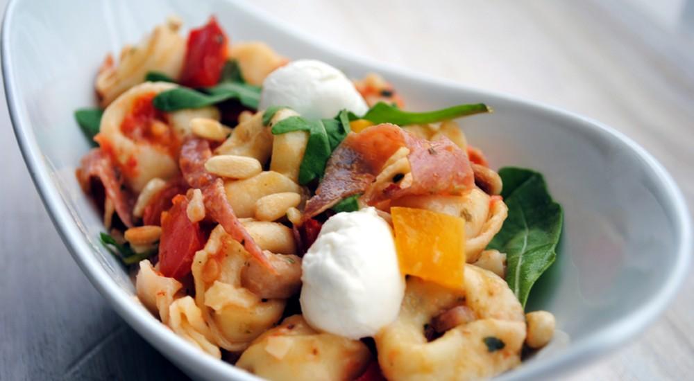 Tortellinisalat mit Tomatendressing