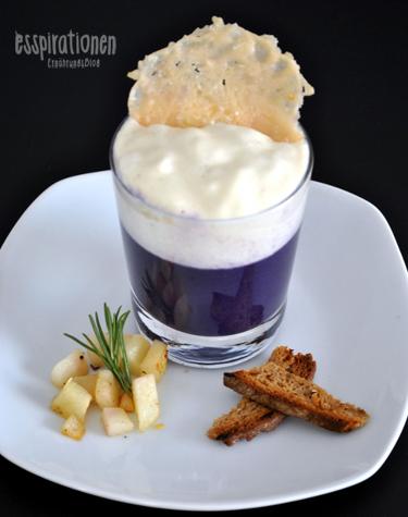 Rotkohl-Cappuccino mit Parmesanschaum und Rosmarin- Birnen