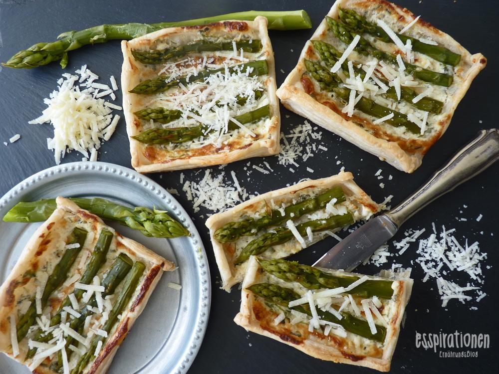 esspirationen-rezepte-tartelettes-mit-grünem-spargel-und-parmesan