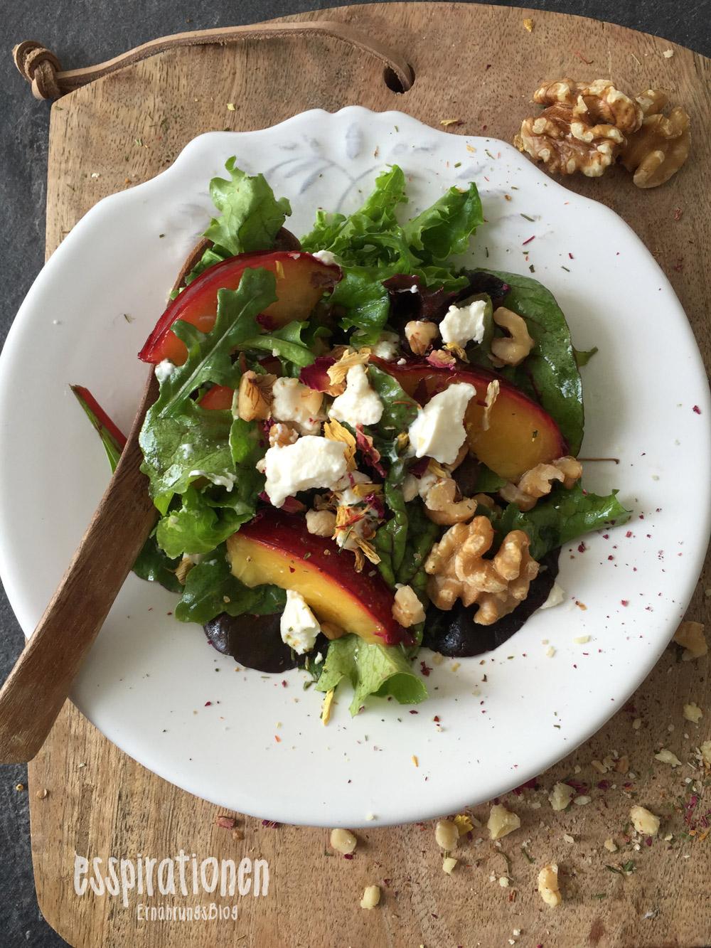 esspirationen-rezepte-Salat-mit-Walnüssen-und-Nektarinen001