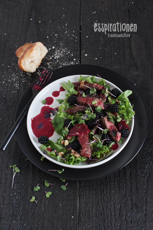 esspirationen   Fruchtiger Salat mit Brombeer-Dressing und
